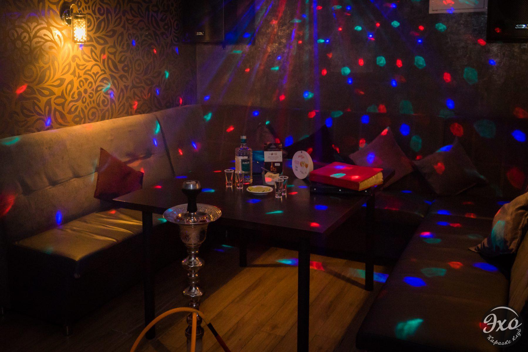 Караоке-клуб с отдельными кабинками